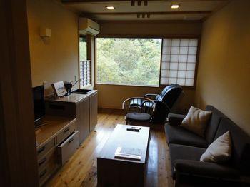 001_お部屋窓.jpg